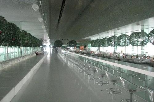 هتل آدم و حوا (طولانی ترین بار دنیا)