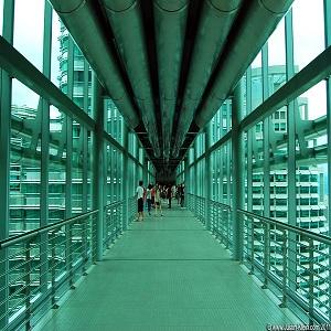 برج های دوقلوی مالزی (نمای داخلی پل آسمان)