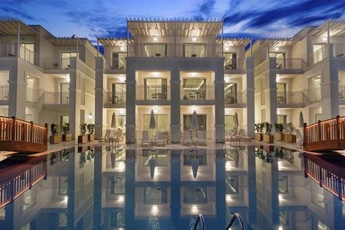 امکانات اقامتی هتل بلیس دلوکس بلک آنتالیا (ویلا های لوکس)