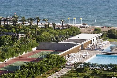 امکانات تفریحی هتل کروانسرای لارا آنتالیا (زمین تنیس)