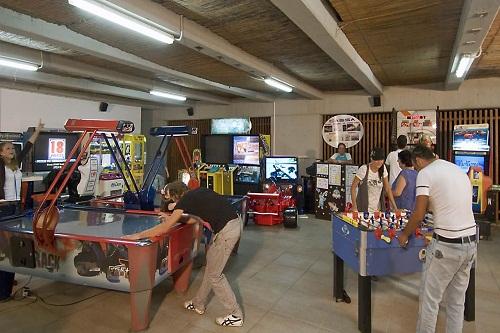 امکانات تفریحی هتل کروانسرای لارا آنتالیا (سالن بازی)