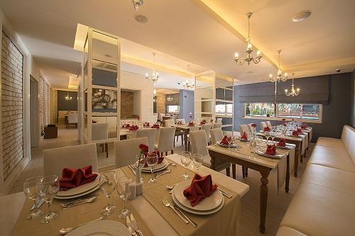 رستوران های هتل رامادا ریزورت لارا (رستوران ایتالیایی Verona Restaurant)