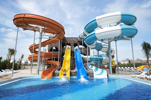 استخرهای هتل رامادا ریزورت لارا (پارک آبی)