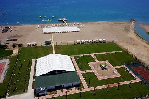 هتل رامادا ریزورت لارا (ساحل اختصاصی)