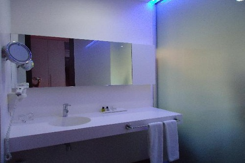 هتل کروانسرای لارا آنتالیا (اتاق های استاندارد 3 نفره)