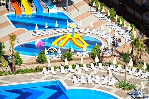 استخرهای هتل رامادا ریزورت لارا (استخر کودکان)
