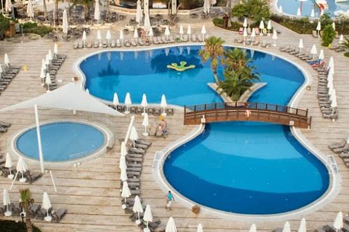 استخر های هتل بلیس دلوکس بلک آنتالیا (استخر اصلی)