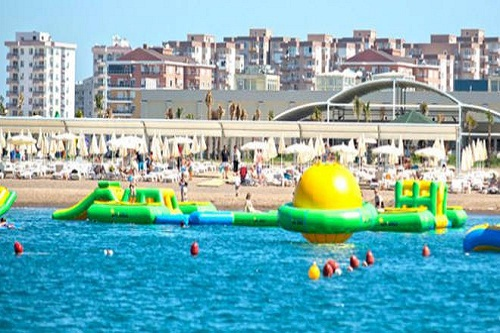 امکانات تفریحی در هتل رامادا ریزورت لارا (تفریحات ساحلی)