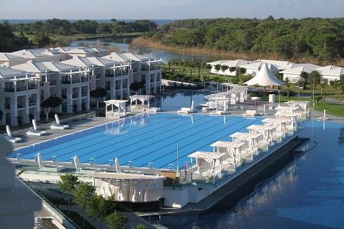 استخر المپیک هتل تایتانیک دلوکس آنتالیا