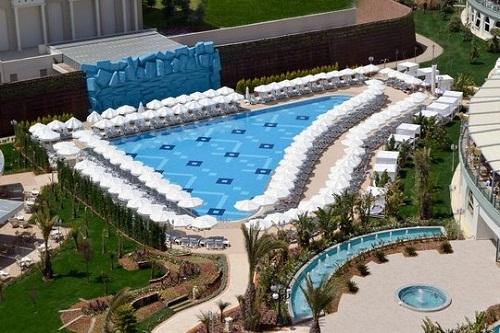 استخر پشتی هتل دلفین امپریال