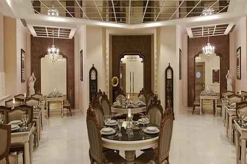 رستوران فرانسوی Museum Restoran هتل دلفین امپریال