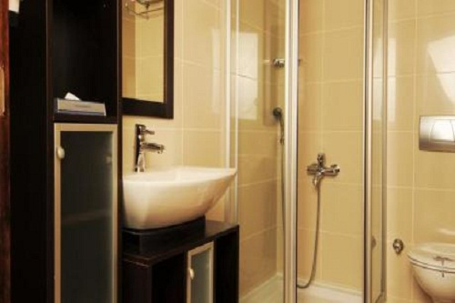 اتاق های سه نفره استاندارد هتل رویال وینگز آنتالیا