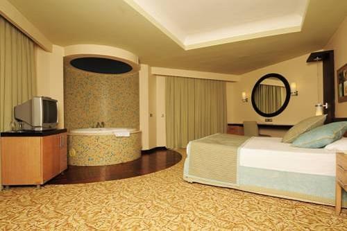 اتاق VIP هتل رویال وینگز آنتالیا