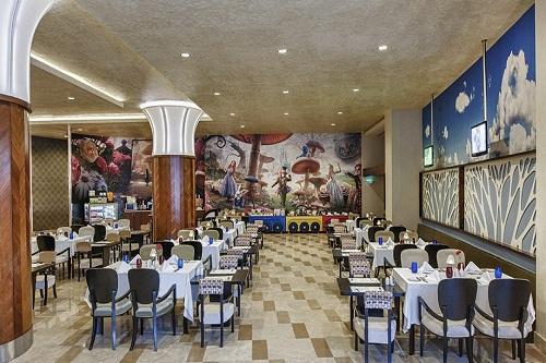 رستوران اصلی ویژۀ کودکان هتل مکس رویال بلک آنتالیا
