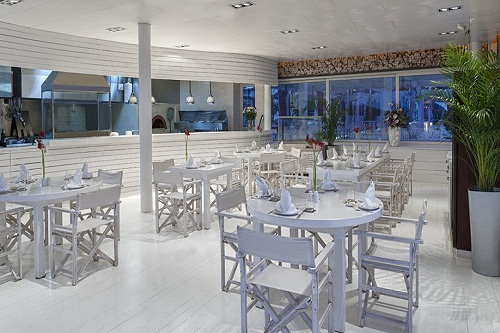 بار ساحلی هتل مکس رویال بلک آنتالیا