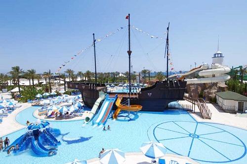پارک آبی کودکان هتل تایتانیک بیچ لارا آنتالیا