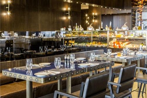 رستوران Azure 24 Restaurant مکس رویال بلک آنتالیا