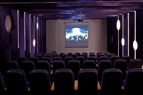 سینمای هتل دلفین امپریال لارا آنتالیا Delphin Imperial