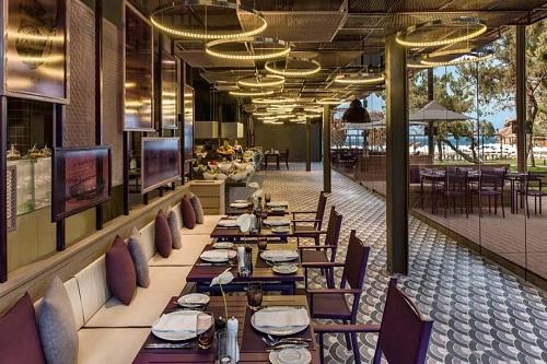 رستوران ترکی Azure Turk Restaurant هتل مکس رویال کمر آنتالیا