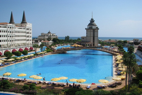 استخر اصلی هتل مردان پالاس آنتالیا