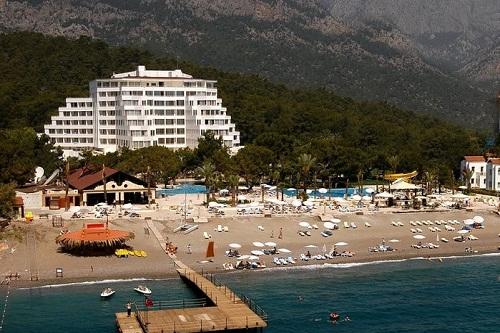 ساحل اختصاصی هتل رویال پالم ریزورت کمر آنتالیا Royal Palm Resort