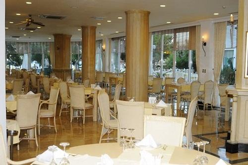 رستوران ایتالیایی هتل رویال پالم ریزورت کمر آنتالیا Royal Palm Resort