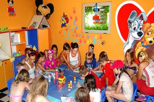 کلوپ کودکان هتل رویال وینگز آنتالیا Royal Wings