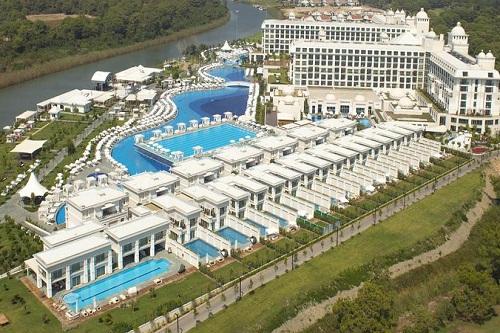 استخر های هتل تایتانیک دلوکس آنتالیا Titanic Deluxe Belek