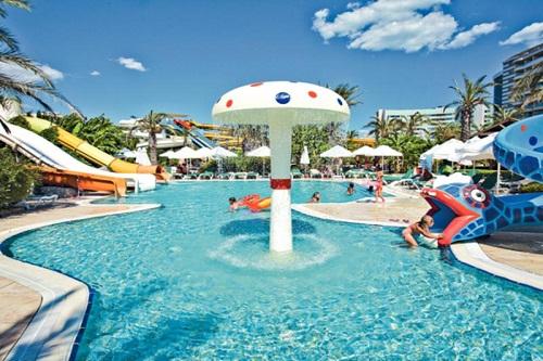 پارک آبی کودکان هتل رویال وینگز آنتالیا