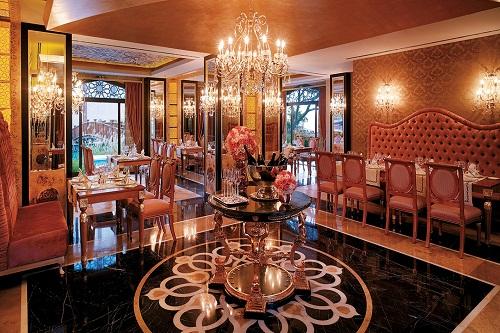 رستوران ترکی Beşiktaş Restaurant هتل مردان پالاس آنتالیا