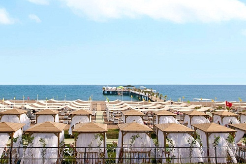 ساحل اختصاصی هتل دلفین امپریال لارا آنتالیا Delphin Imperial