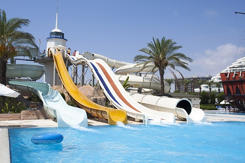 پارک آبی بزرگسالان هتل تایتانیک بیچ لارا آنتالیا