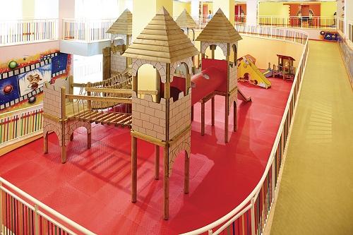پارک سرپوشیده کلوپ کودکان هتل تایتانیک دلوکس آنتالیا