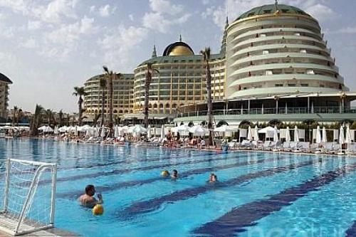 واترپلو در هتل دلفین امپریال لارا آنتالیا