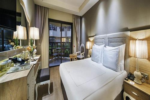 سالن ماساژ هتل بلیس دلوکس بلک آنتالیا (اتاق Camelia Garden)
