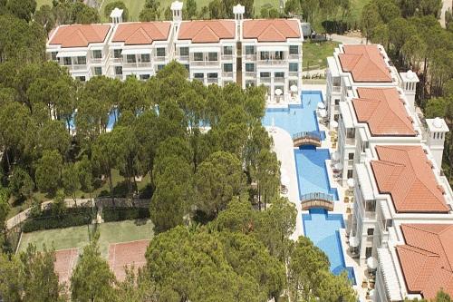 سالن ماساژ هتل بلیس دلوکس بلک آنتالیا (سوئیت هایی بامنظرۀ استخر)