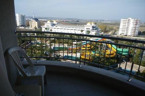 بالکن اتاق های هتل رویال وینگز آنتالیا