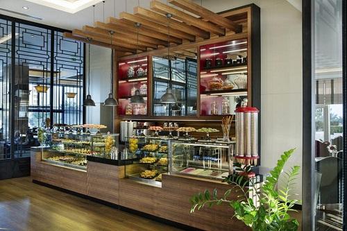 رستوران اصلی هتل تایتانیک بیچ لارا آنتالیا