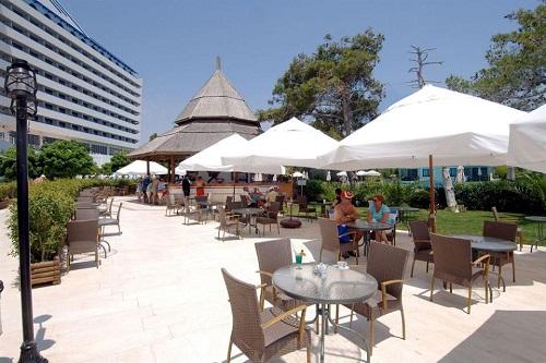 بارهای هتل تایتانیک بیچ لارا آنتالیا Titanic Beach Lara