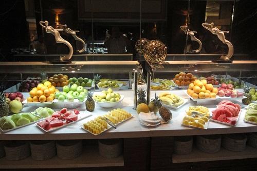 بخش میوه های رستوران اصلی هتل رویال هالیدی آنتالیا