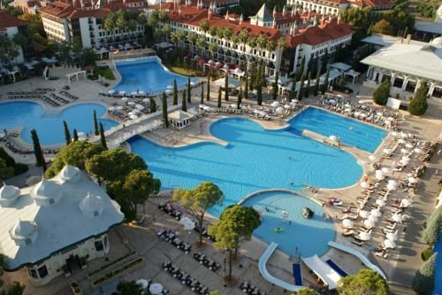 استخر های هتل وو توپکاپی آنتالیا WOW Topkapi Palace