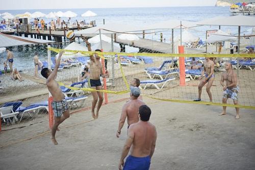 والیبال ساحلی در هتل باروت لارا