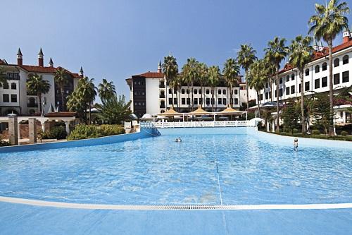 استخر امواج هتل 5 ستاره وو توپکاپی آنتالیا