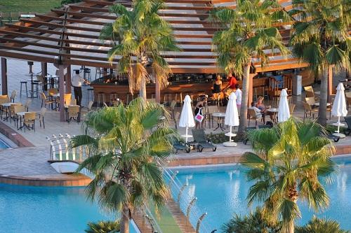 اسنک بار استخر اصلی هتل باروت لارا
