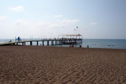 اسکلۀ ساحل اختصاصی هتل باروت لارا