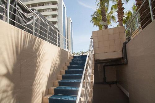 زیرگذر ساحل اختصاصی هتل پورتوبلو