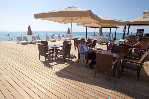بار ساحلی اسکلۀ اختصاصی هتل رویال هالیدی پالاس