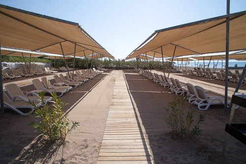ساحل اختصاصی هتل رویال هالیدی پالاس آنتالیا Royal Holiday Palace