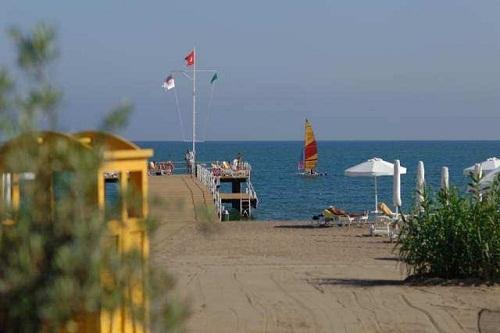 تفریحات ساحلی در هتل باروت لارا
