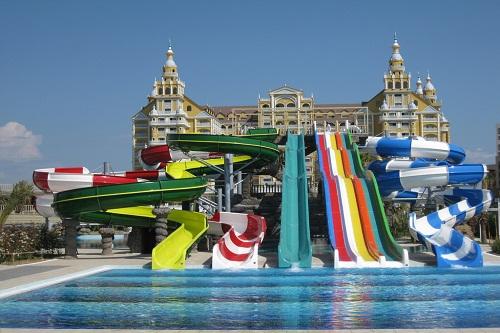 بخش بزرگسالان پارک آبی هتل رویال هالیدی پالاس